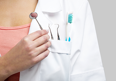 dental-tools-in-pocket